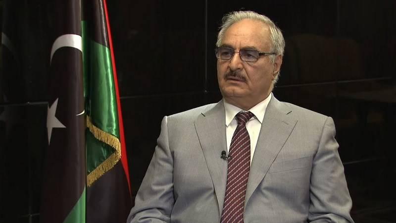 Der libysche Feldmarschall Haftar fiel ins Koma. LNA-Vertreter bestreiten