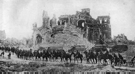 बख्तरबंद राक्षसों का समर्थन। CH 1। विश्व युद्ध के तीसरे वर्ष में ब्रिटिश घुड़सवार सेना