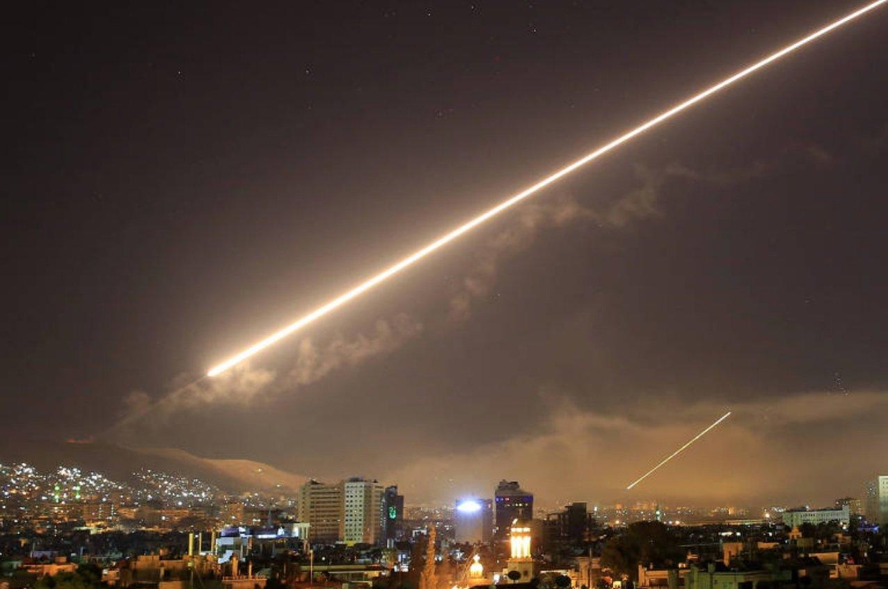 Украина внесла Асада вбазу «Миротворца» за«проникновение» натерриторию Крыма