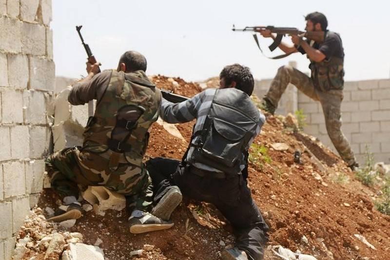 두마에서 다시 전투가 시작되었습니다. 무장 세력 아래 시리아 방위군