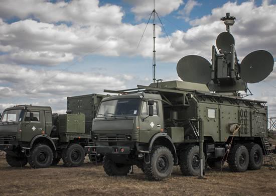 EW对巡航导弹。 武装部队的实际教学