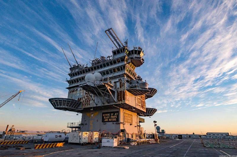 """完全写完了。 USS""""企业""""航空母舰停用"""