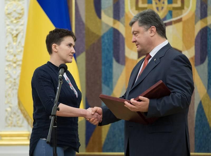 Надя больше не герой? Порошенко ищет способ лишить Савченко звания Героя Украины