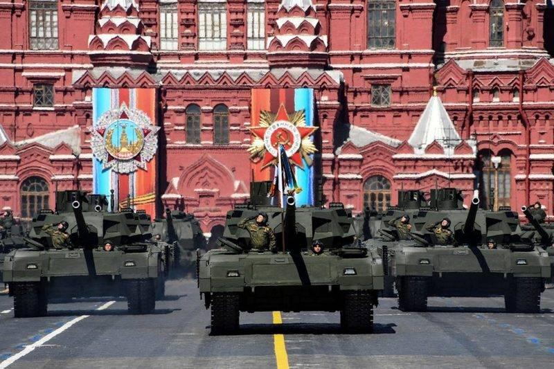 Самые новые  образцы военной техники покажут напараде 9Мая