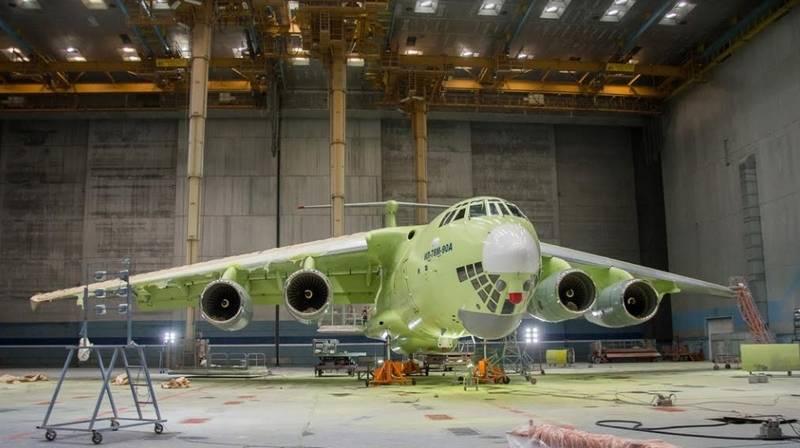 진동으로 점검. IL-78M-90A는 성공적으로 지상 주파수 테스트를 통과했습니다.