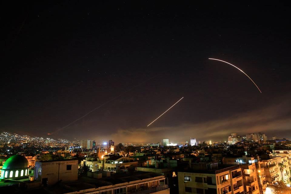 Нетаньяху согласовывал сТрампом удар поавиабазе вХомсе 9апреля