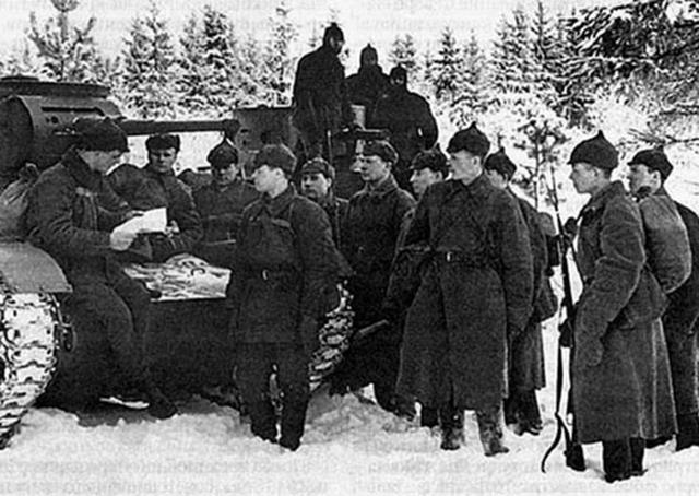 Yevgeny Ivanovsky. Un general con ejércitos de la OTAN con miedo