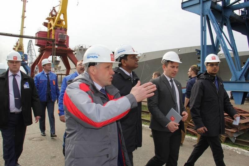 Eu olhei para as fragatas do projeto 11356. O representante do Ministério da Defesa da Índia visitou a fábrica de Yantar