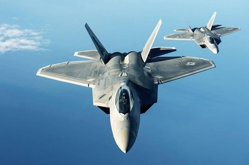 "F-22가 아니라면 ... 항공기의 ""고유 능력""은 시리아에서 미국을 공격하는 데 도움이되었습니다"