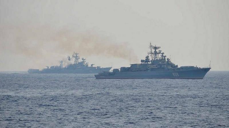 衝突コース 地中海の戦隊が海上戦を果たす