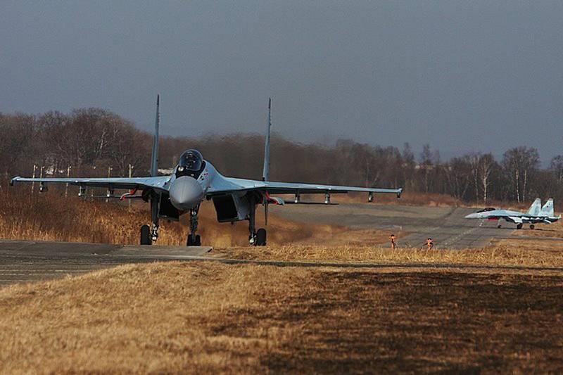 C'est difficile à apprendre, facile à combattre. Les chasseurs de la défense aérienne ont mené des batailles d'entraînement à Primorye