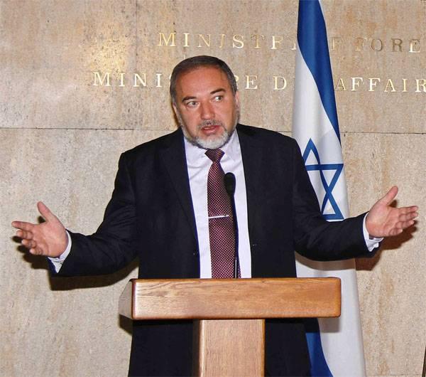 Lieberman: Israele non interferisce negli affari interni della Siria
