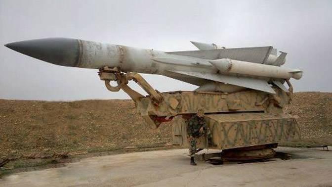 Les stocks de missiles des SAM syriens C-200 diminuent rapidement