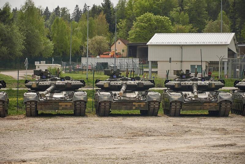 Cinco Oplots e sete BTR-80s. Forças armadas ucranianas chegaram para exercícios na Alemanha