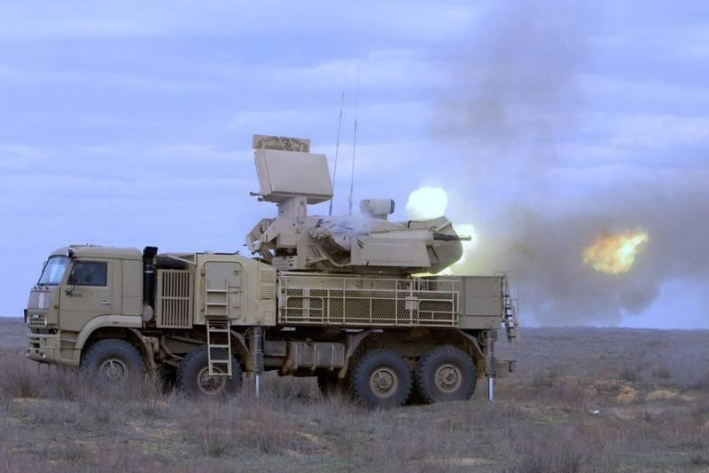 Henüz C-300 değil, ama ... ... Rusya Suriye'ye bir ilave Pantsir hava savunma sistemi partisi verdi.