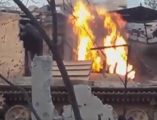 """En Siria, el T-72 quemado con """"protección de esquina"""""""