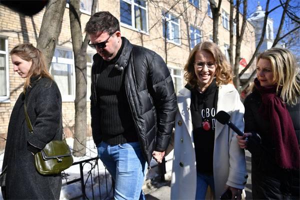 我等了......基辅允许参观克里米亚Ksenia Sobchak
