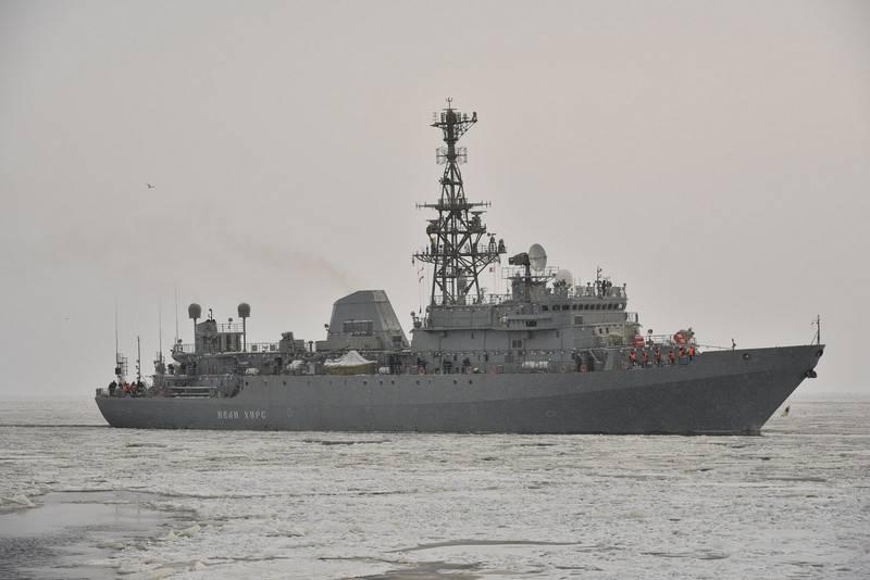 """Je me suis levé pour une inspection du quai. Le navire de communication """"Ivan Khurs"""" est en cours de préparation pour les tests d'État"""