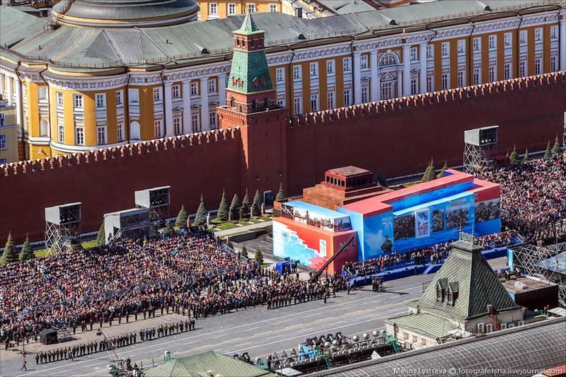 La vue n'est pas la même! Zyuganov a demandé de ne pas fermer le mausolée lors du défilé de 9 en mai