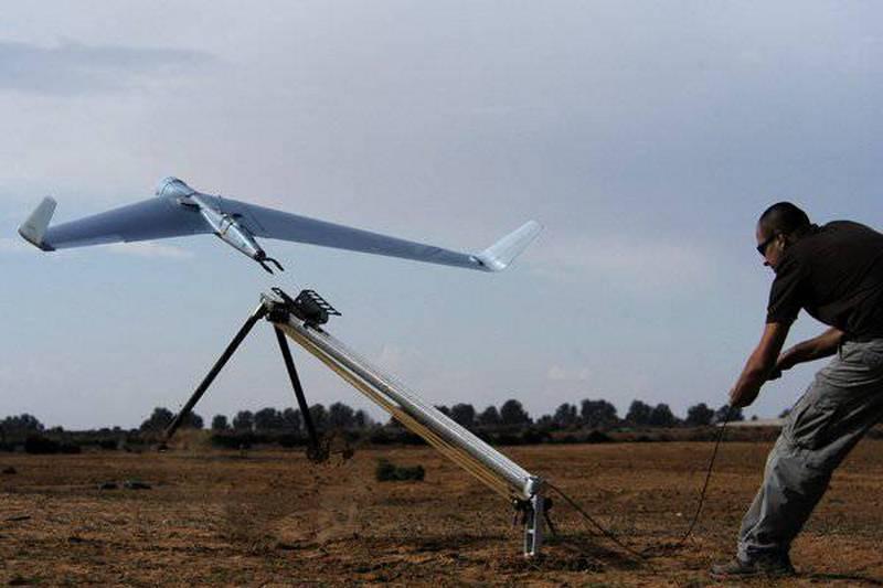 Piccoli UAV per un piccolo esercito. La Svizzera sceglie un drone