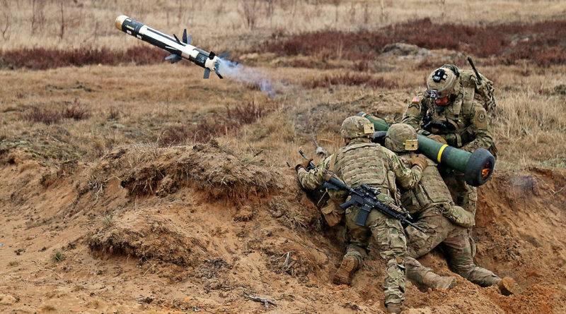 Президент Порошенко уже пообещал использовать приобретенные комплексы Javelin против русских танков