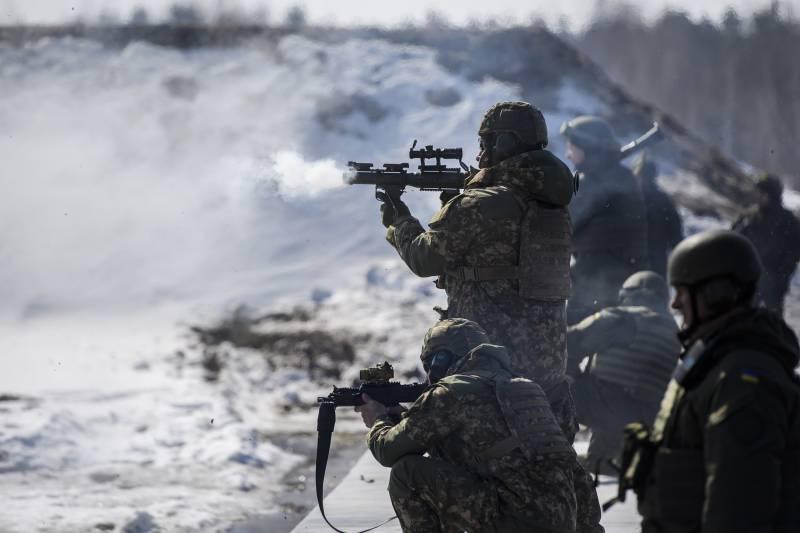 Матиос обнародовал обновленные данные о погибших в Донбассе