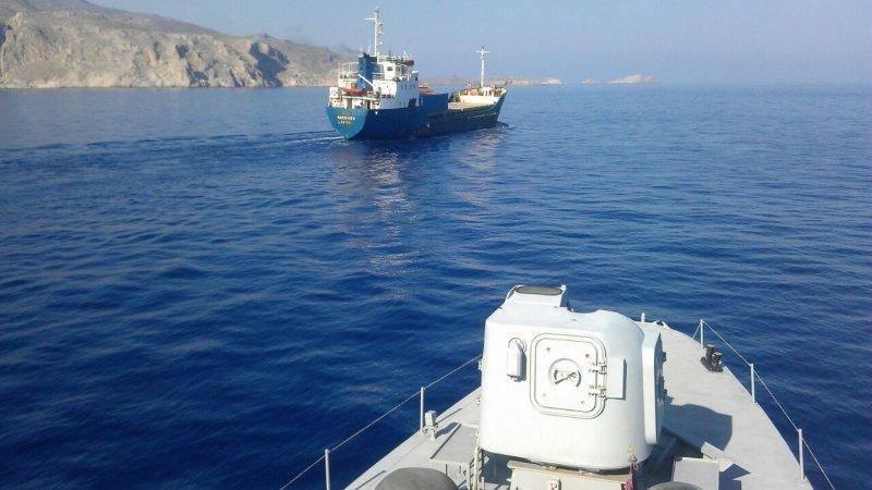 打了就走了。 土耳其货轮撞了一艘希腊炮舰