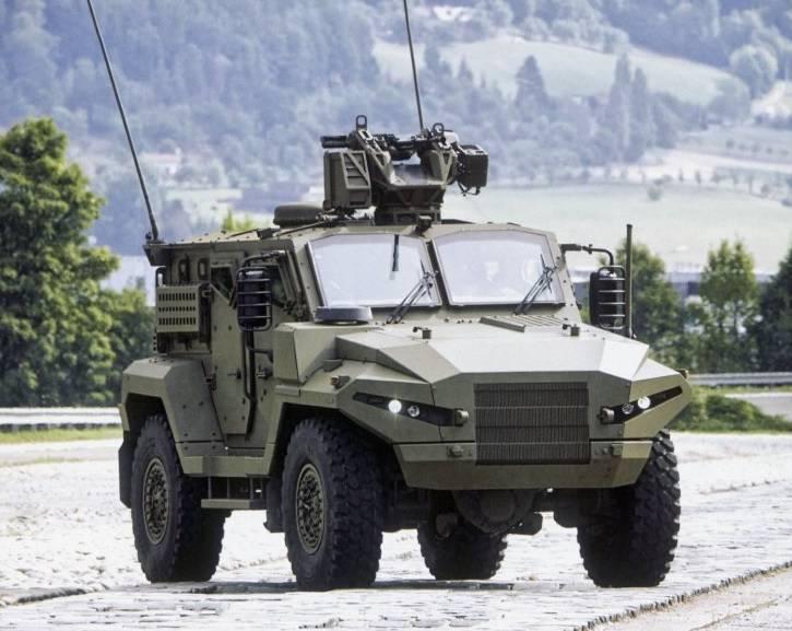 체코의 민간 회사가 새로운 기갑 차량 T815를 도입했습니다.