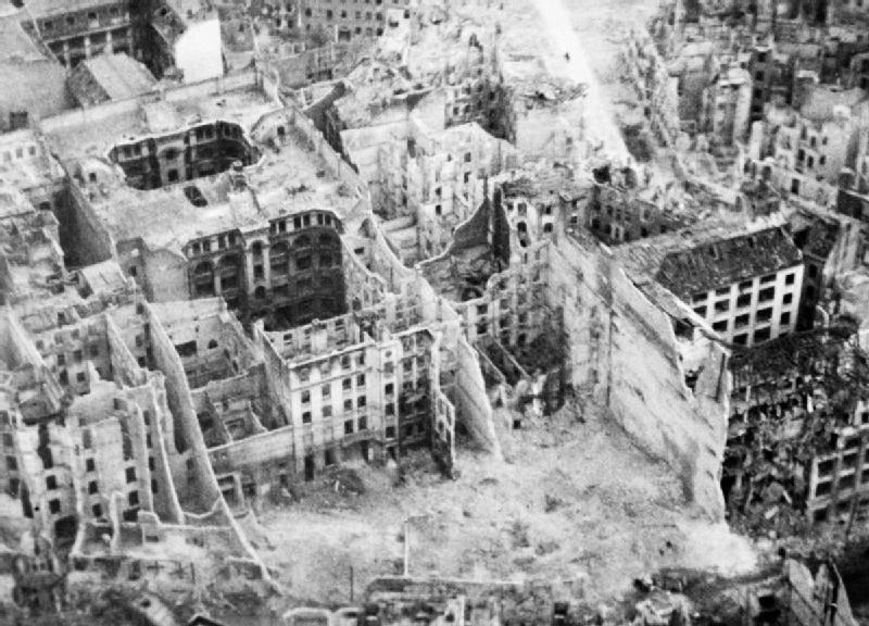 Кто уничтожил Берлин?