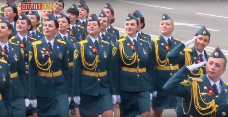 ВДНР прошел парад вчесть 73-й годовщины победы вВОВ