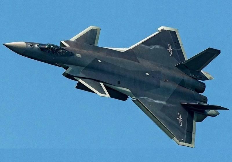 Savaş koşullarında kontrol edildi. Çin beşinci nesil avcı J-20'yi test etti