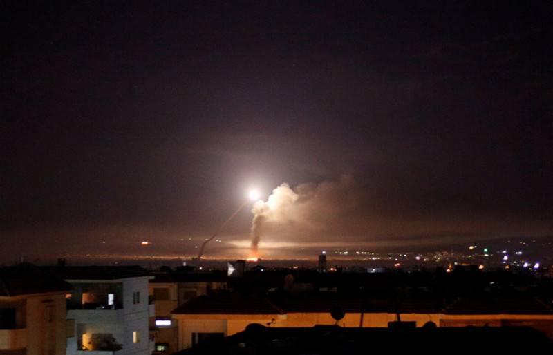 आधे रॉकेट को नीचे गिराया गया था। रूसी रक्षा मंत्रालय ने इजरायल की हड़ताल में सीरिया की रक्षा के काम का नतीजा कहा