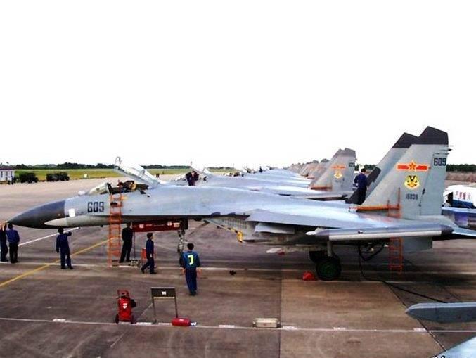 Dor de cabeça. Nos Estados Unidos comentaram a adoção do Su-35 no arsenal do PLA