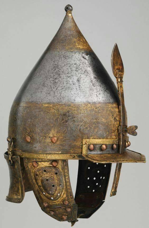 Los cascos más caros. Parte ocho La Armería del Kremlin de Moscú en todo su esplendor.