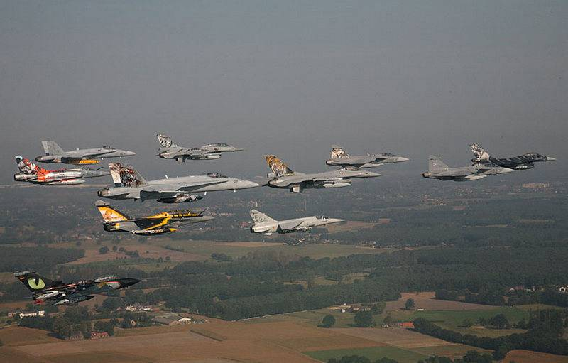 """Only """"tiger"""" squadrons. NATO Tiger Meet flight exercises kick off in Poland"""