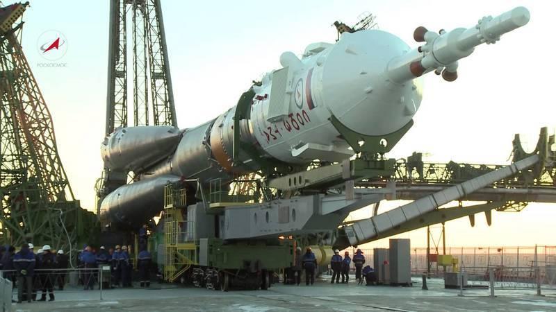 """Soyuz-FG uçtu. 2019'dan beri Rus kozmonotları Soyuz 2.1a'ya """"transfer edilecek"""""""