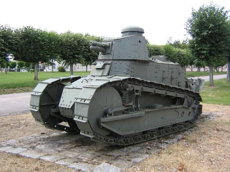 武器についての物語。 T-18 最初のソビエトシリアルタンク