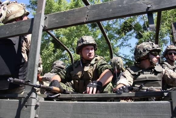 L'esplosione nel Donbass. Come sono arrivati i rappresentanti della NATO nel campo minato?