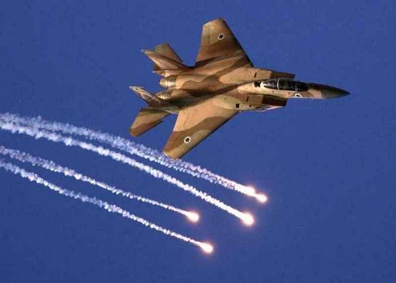 """Все сто ракет пролетели мимо. Израиль """"отчитался"""" по бомбардировке Сирии"""