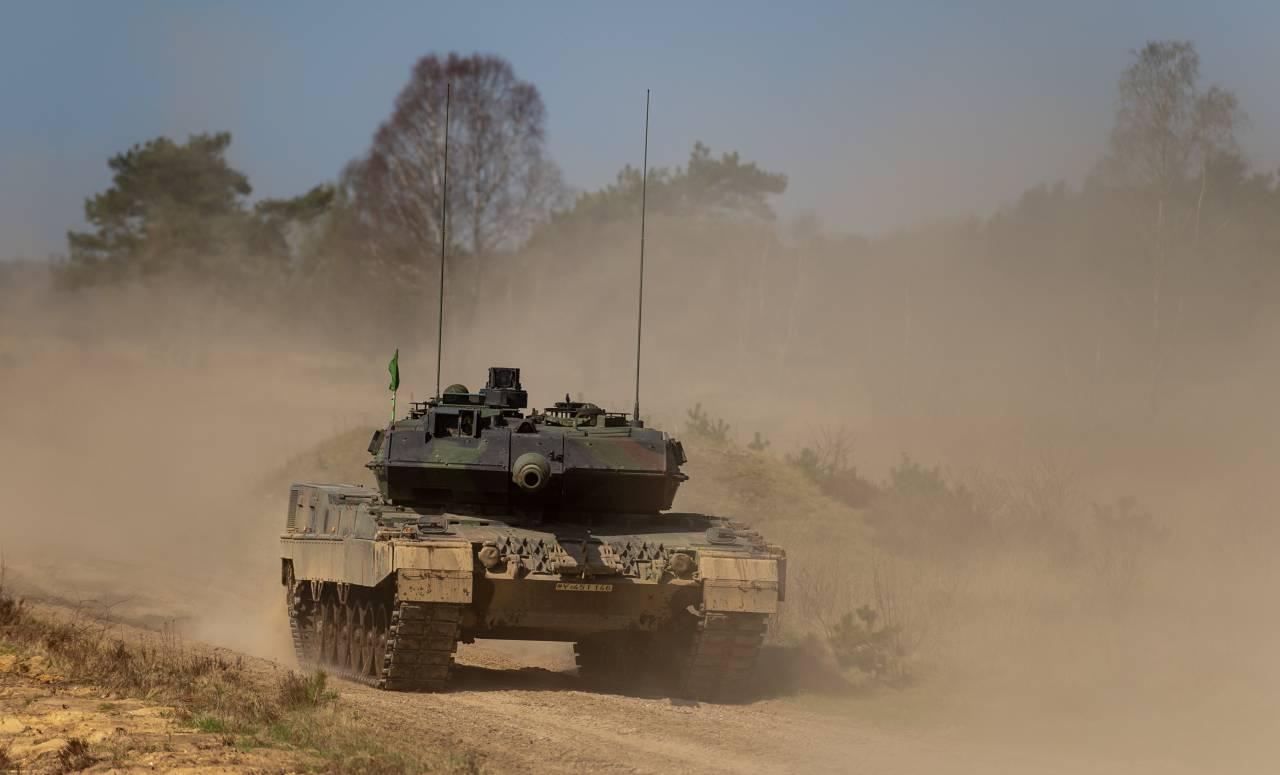 ВГермании возобновят производство танка Leopard 2 для «сдерживания» Российской Федерации
