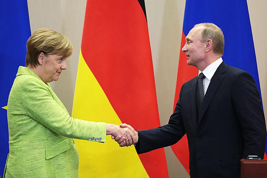 Меркель: только часть учреждений ЕСпоследует санкциям США вотношении Ирана