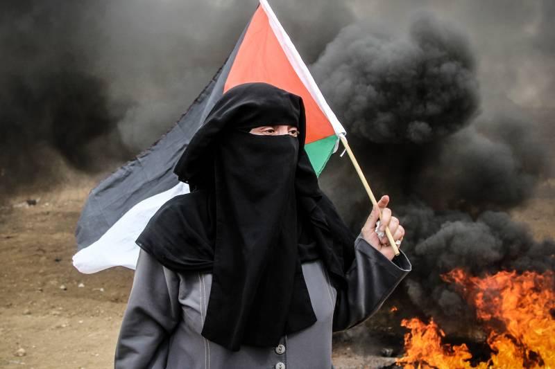 Повод: горящие воздушные змеи. ВВС Израиля нанесли очередной удар по сектору Газа