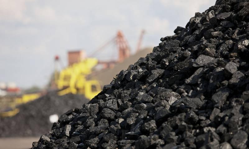 Ни дня без зрады. Украина закупила в 180 раз больше угля, чем продала