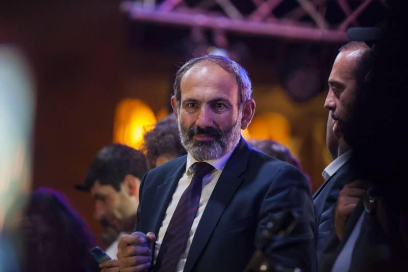США помогут. Пашинян пригласил в Армению американского экономиста
