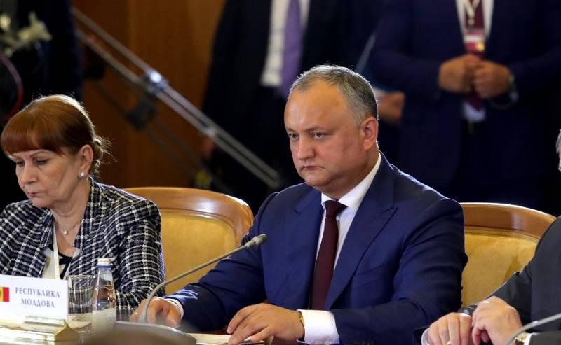Додон рассказал о судьбе офиса НАТО в Кишинёве