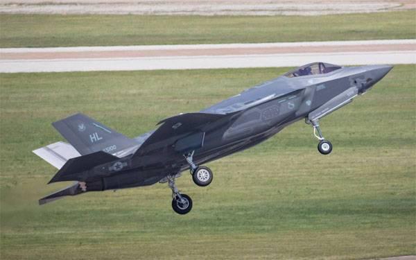 США признали неисправности уистребителей 5-ого поколения F-35