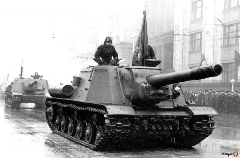 Рассказы об оружии. ИСУ-152 снаружи и внутри