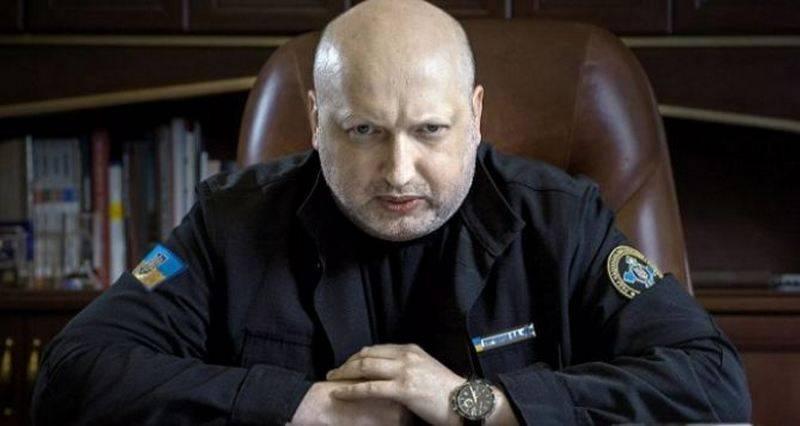 Турчинов предупредил о сосредоточении российских войск на границе Украины