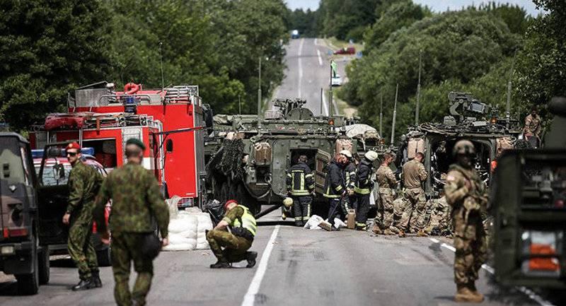 Тринадцать пострадавших. В Литве столкнулись американские броневики