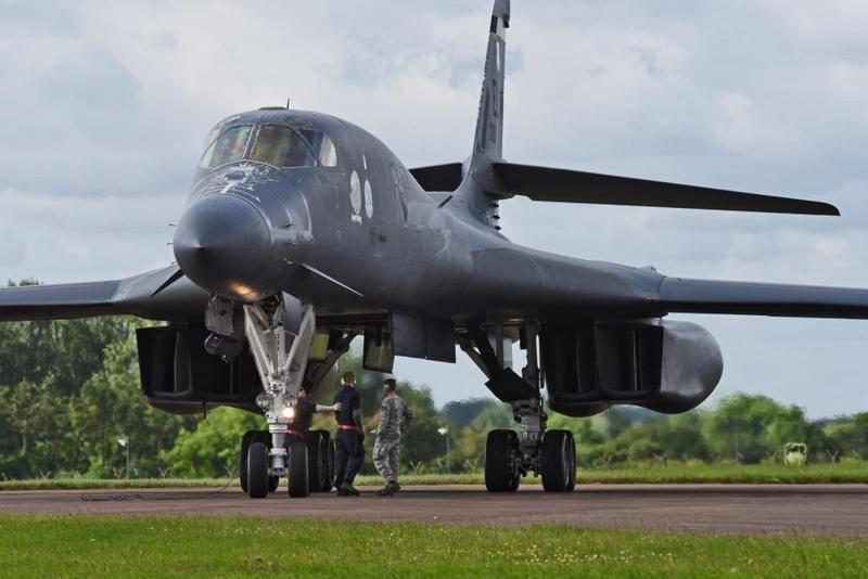 Бомбардировщики ВВС США провели очередные полеты вблизи границ РФ